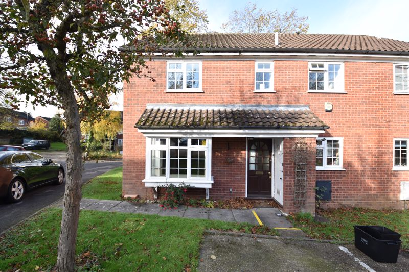 2 bedroom Semi-Detached  to buy in Somersby Close, Luton