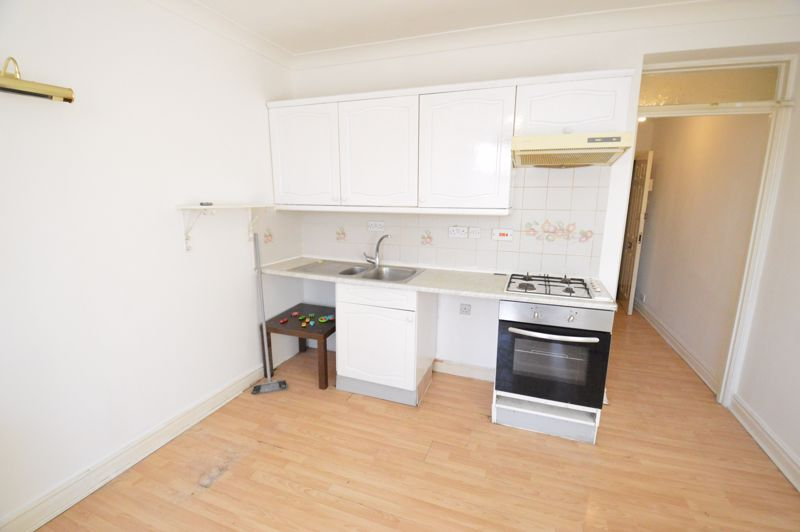 1 bedroom  to buy in 29-31, Studley Road, Luton - Photo 3
