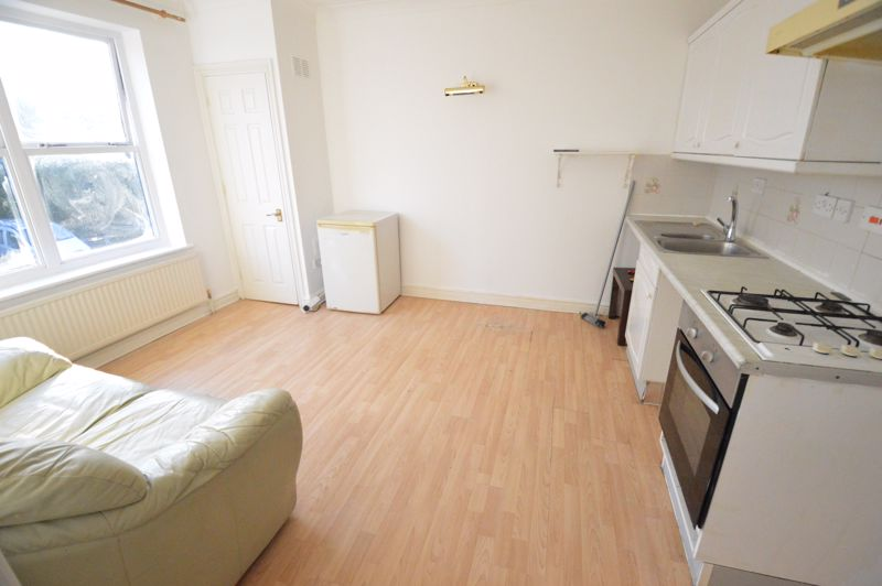 1 bedroom  to buy in 29-31, Studley Road, Luton - Photo 4