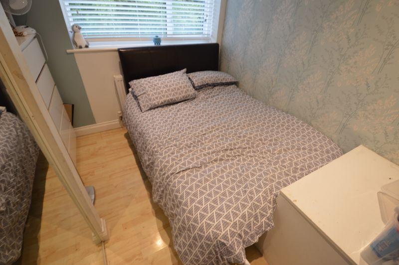 4 bedroom Semi-Detached  to buy in Redgrave Gardens, Luton - Photo 12
