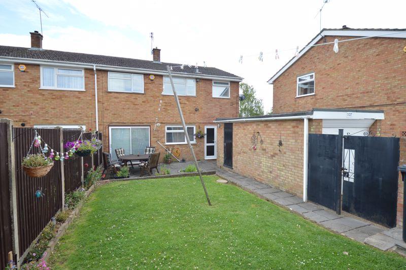 4 bedroom Semi-Detached  to buy in Redgrave Gardens, Luton - Photo 17