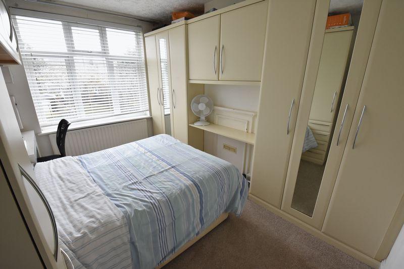 3 bedroom Semi-Detached  to buy in Alton Road, Luton - Photo 10