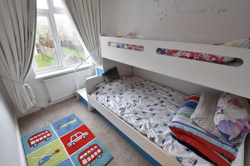 3 bedroom Semi-Detached  to buy in Alton Road, Luton - Photo 11