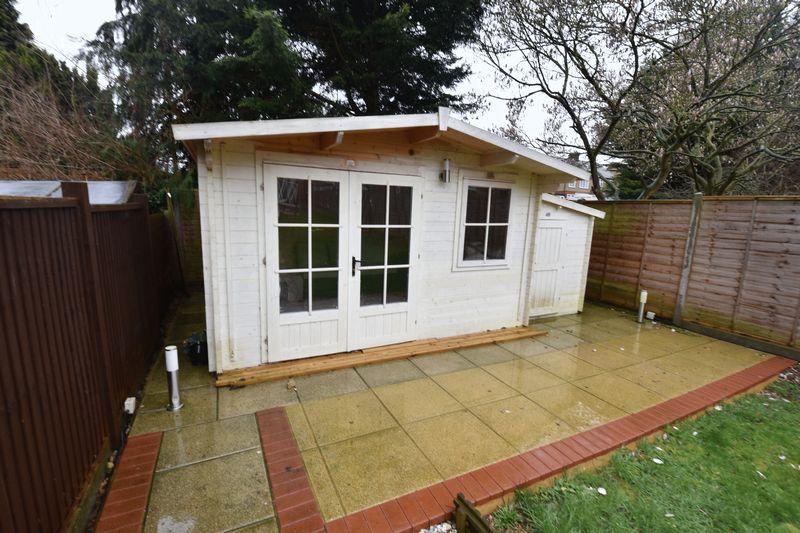 3 bedroom Semi-Detached  to buy in Alton Road, Luton - Photo 15