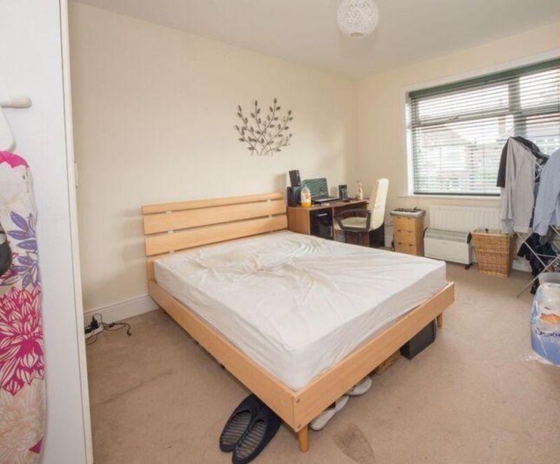 3 bedroom Detached  to buy in Compton Avenue, Luton - Photo 4