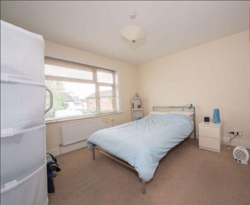 3 bedroom Detached  to buy in Compton Avenue, Luton - Photo 5