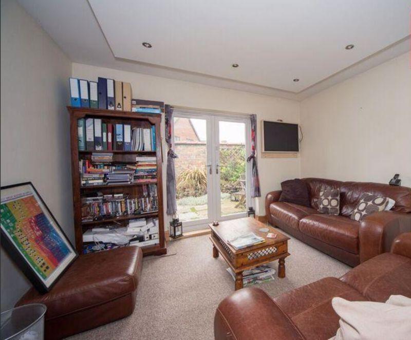 3 bedroom Detached  to buy in Compton Avenue, Luton - Photo 7