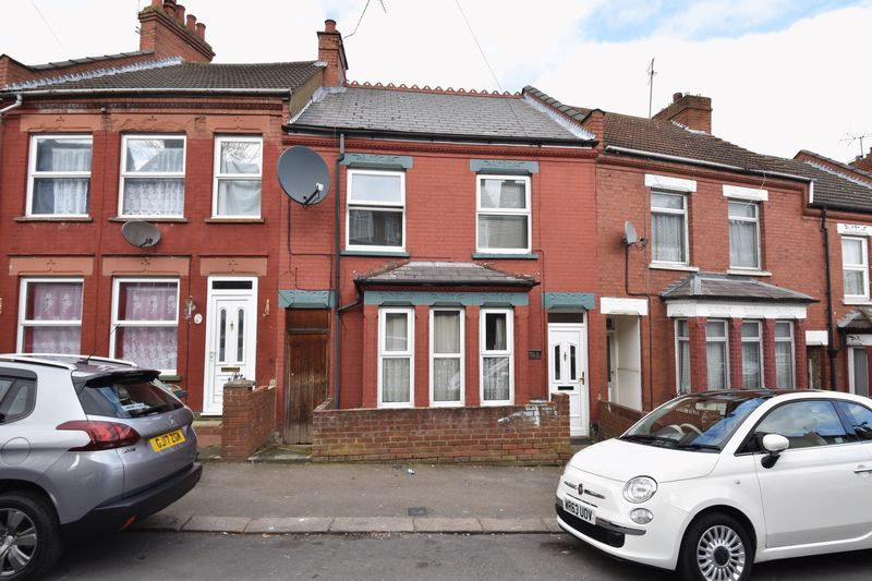 4 bedroom Mid Terrace to buy in Russell Rise, Luton
