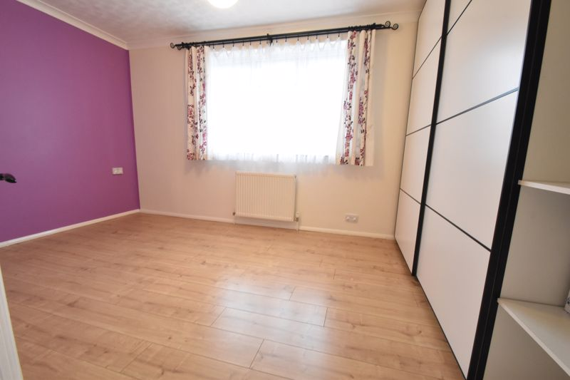 2 bedroom Mid Terrace to buy in Stapleford Road, Luton - Photo 7