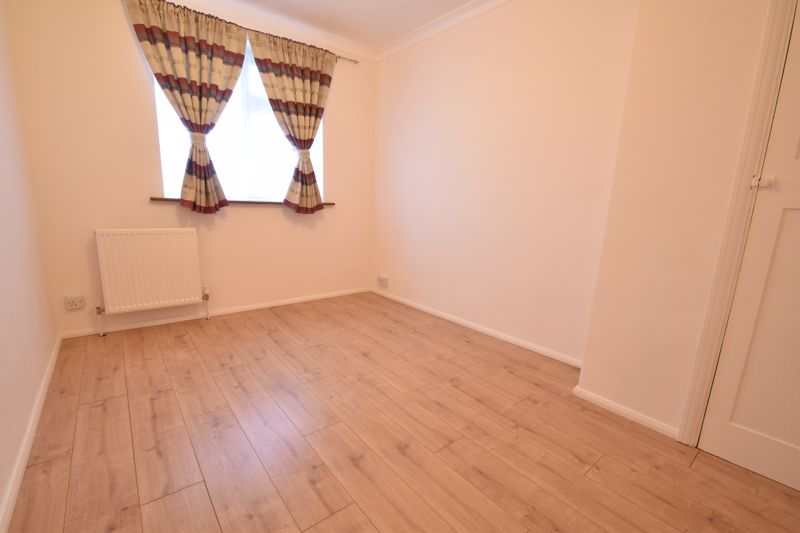 2 bedroom Mid Terrace to buy in Stapleford Road, Luton - Photo 11