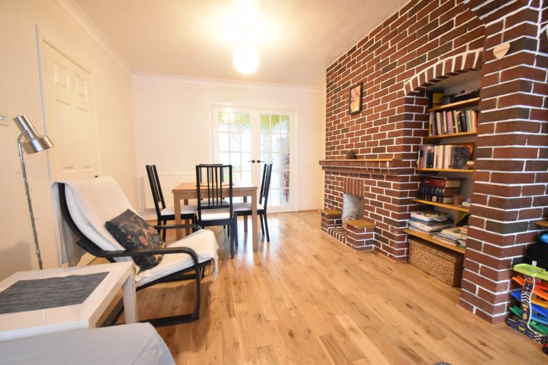 2 bedroom Mid Terrace to buy in Stapleford Road, Luton - Photo 17