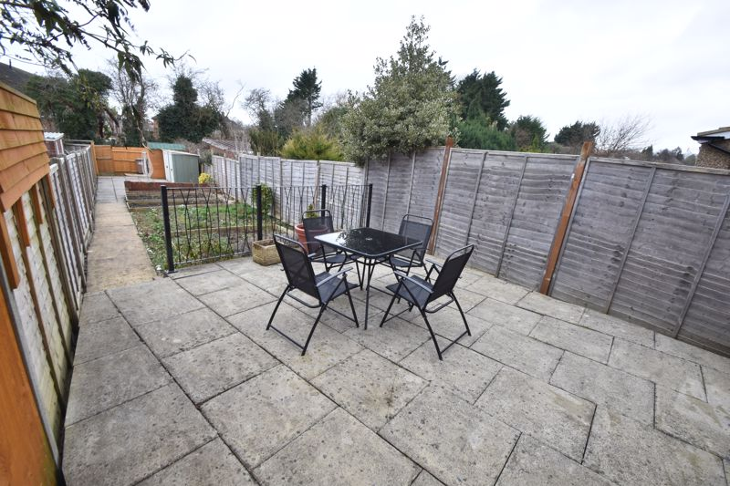 2 bedroom Mid Terrace to buy in Stapleford Road, Luton - Photo 18
