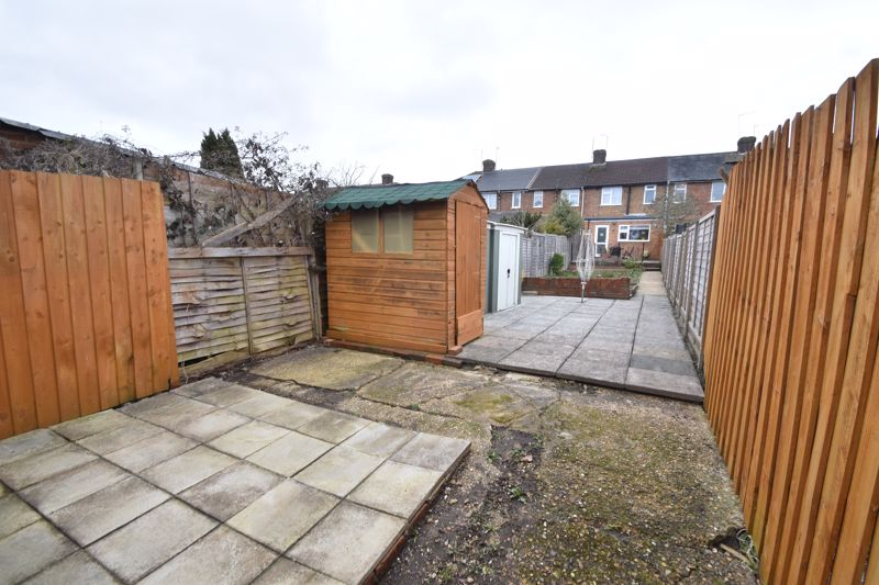 2 bedroom Mid Terrace to buy in Stapleford Road, Luton - Photo 19