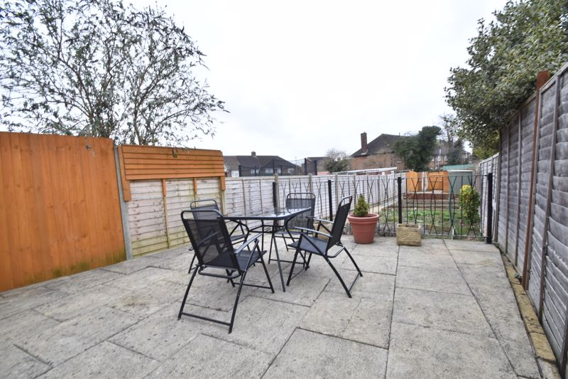 2 bedroom Mid Terrace to buy in Stapleford Road, Luton - Photo 22