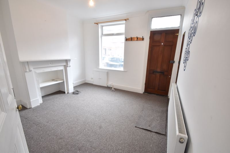 2 bedroom Mid Terrace to buy in Newcombe Road, Luton - Photo 2