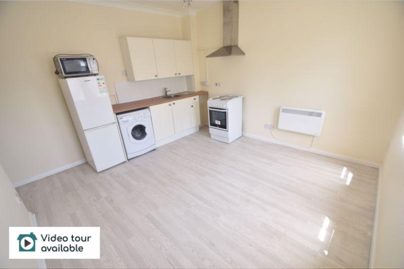 1 bedroom Flat to rent in 30 Waller Avenue, Luton