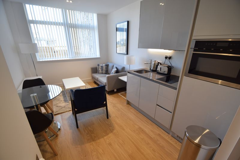 1 bedroom Flat to rent in Laporte Way, Luton - Photo 4