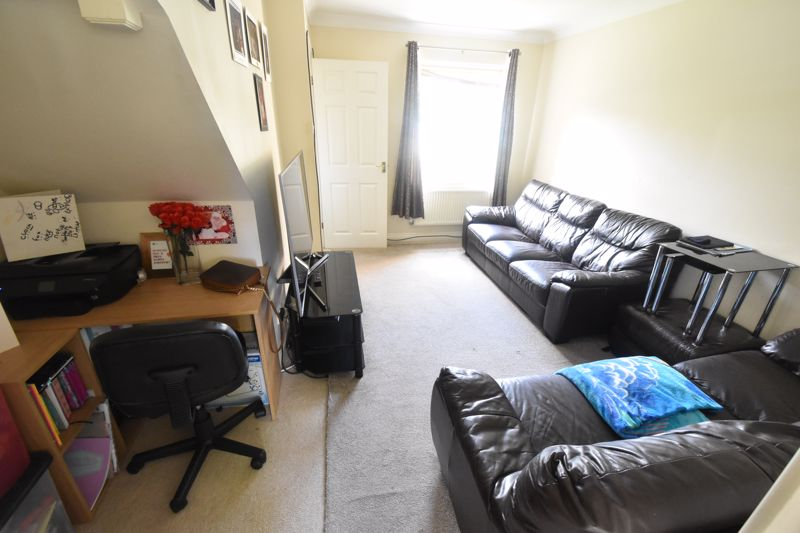 2 bedroom Mid Terrace to buy in Dartmouth Mews, Luton - Photo 1