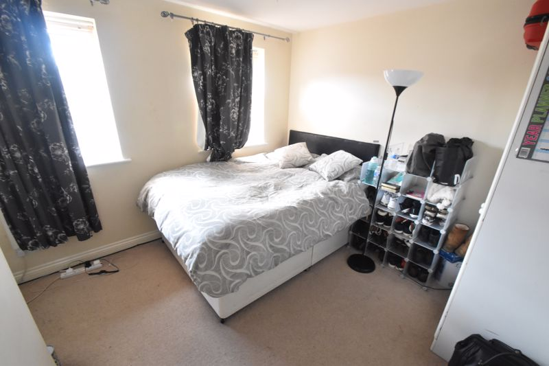 2 bedroom Mid Terrace to buy in Dartmouth Mews, Luton - Photo 4