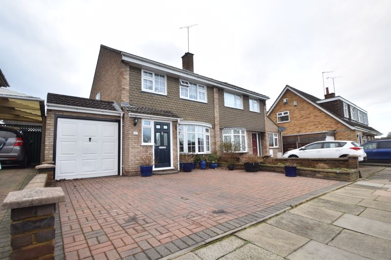 3 bedroom Semi-Detached  to buy in Holgate Drive, Luton
