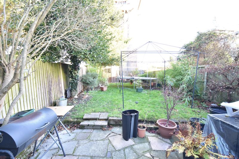 4 bedroom  to buy in Tennyson Road, Luton - Photo 5