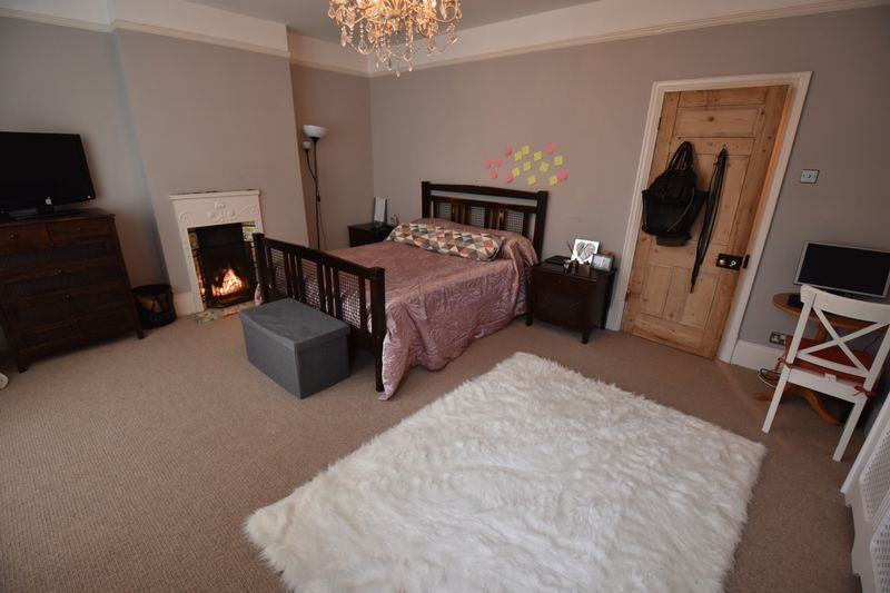4 bedroom  to buy in Tennyson Road, Luton - Photo 18