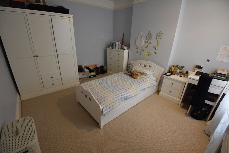 4 bedroom  to buy in Tennyson Road, Luton - Photo 19