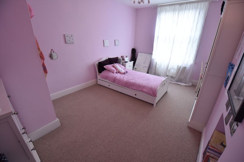 4 bedroom  to buy in Tennyson Road, Luton - Photo 20