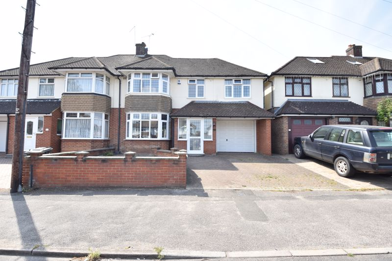 4 bedroom  to buy in Cannon Lane, Luton