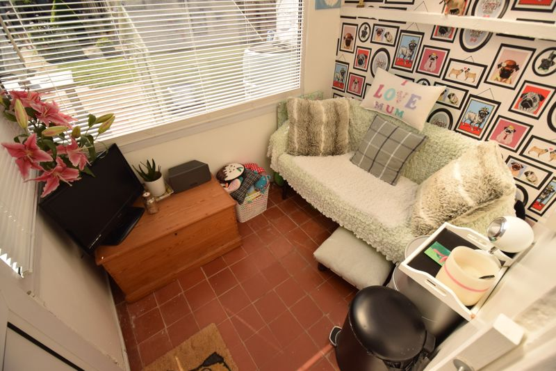 3 bedroom Semi-Detached  to buy in Chesford Road, Luton - Photo 6