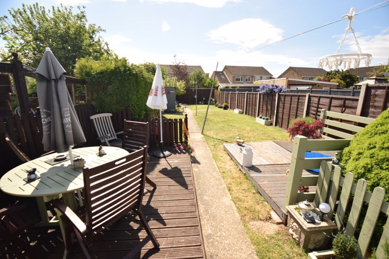 3 bedroom Semi-Detached  to buy in Chesford Road, Luton - Photo 13