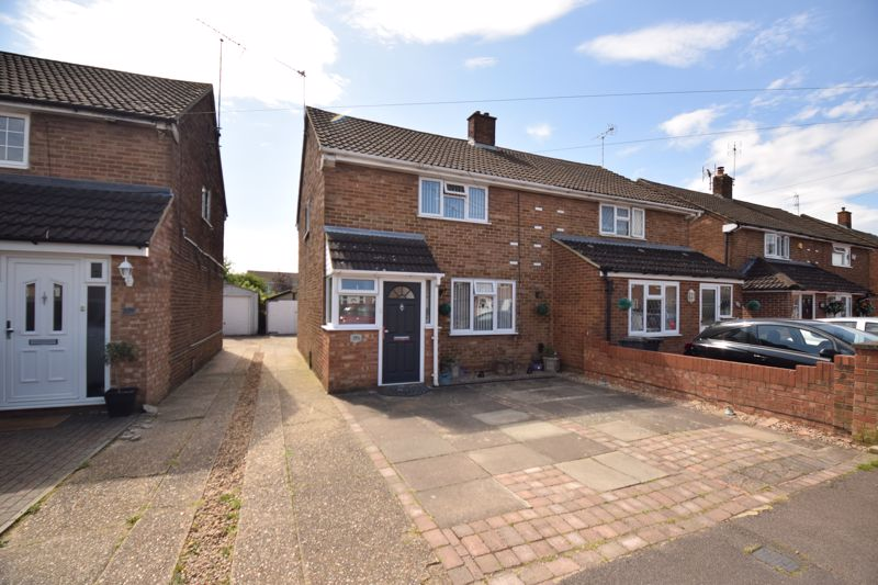 3 bedroom Semi-Detached  to buy in Chesford Road, Luton - Photo 16