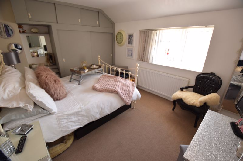 3 bedroom Semi-Detached  to buy in Chesford Road, Luton - Photo 18