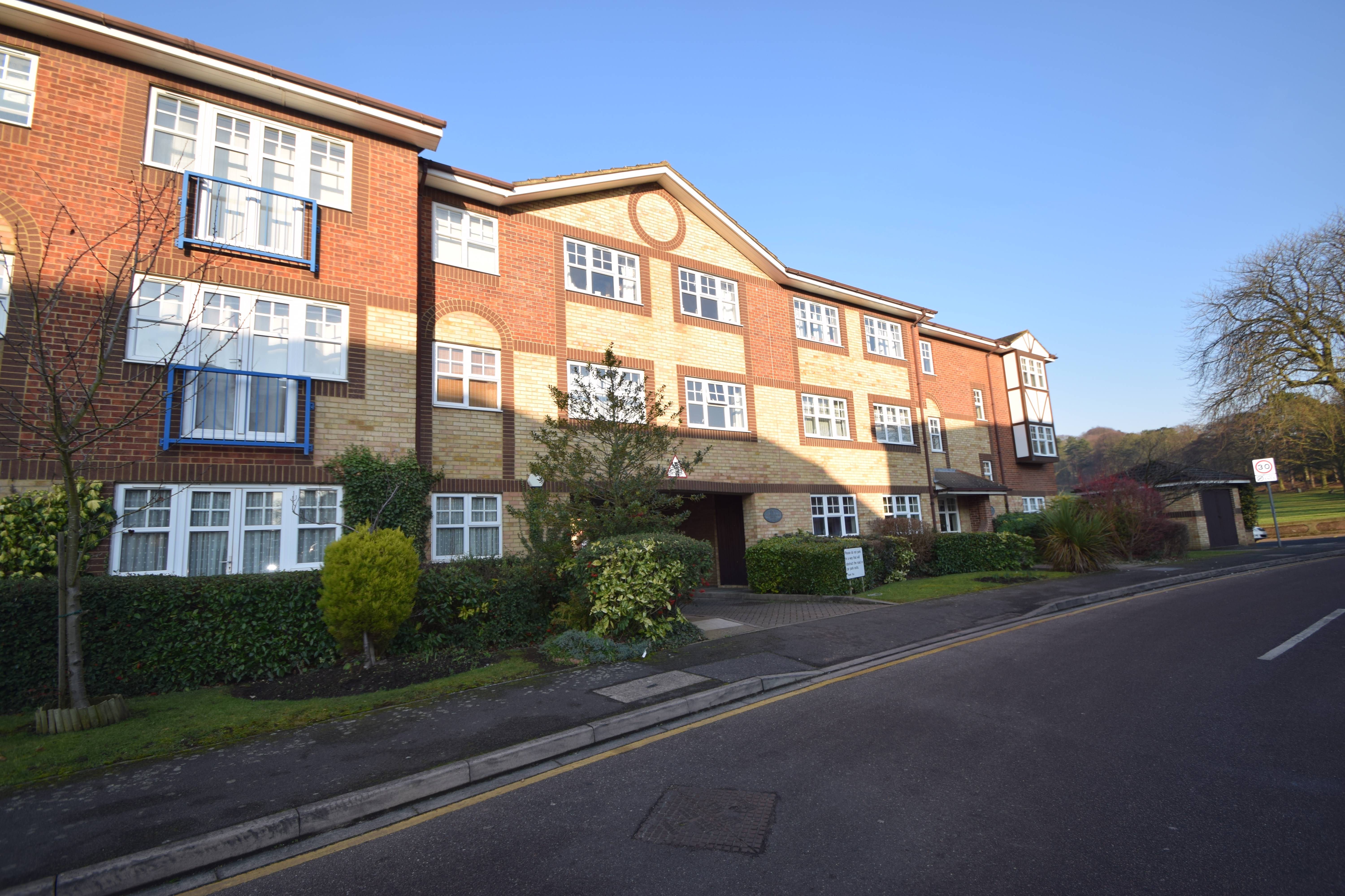 2 bedroom Apartment / Studio to buy in Kings Chase, Luton