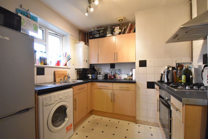 2 bedroom Flat to buy in Lalleford Road, Luton - Photo 1