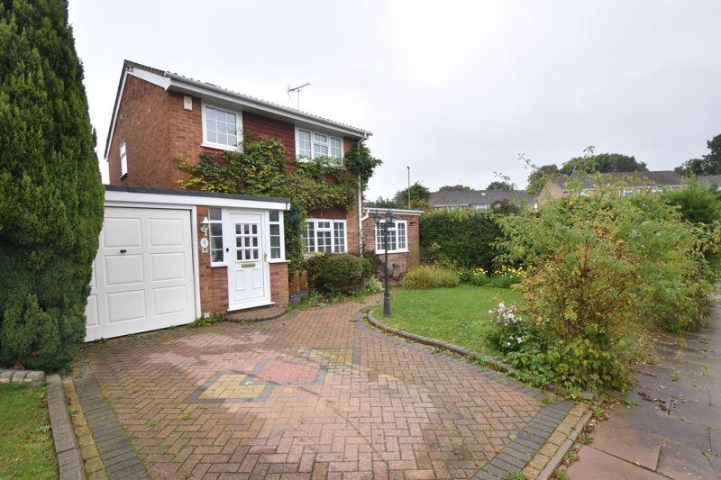 4 bedroom Detached  to buy in Brill Close, Luton