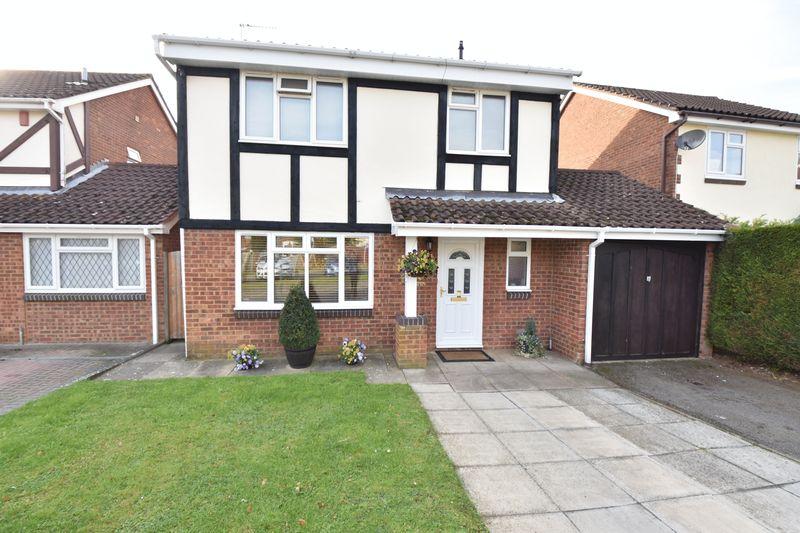4 bedroom Detached  to buy in Hawkfields, Luton