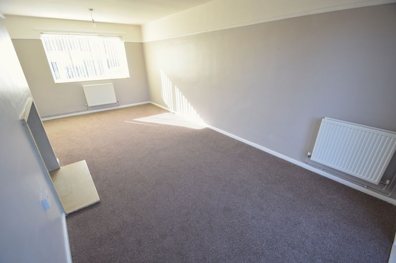 3 bedroom Semi-Detached  to rent in Littlechurch Road, Luton - Photo 3