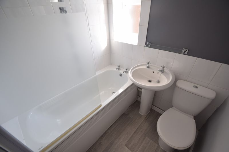 3 bedroom Semi-Detached  to rent in Littlechurch Road, Luton - Photo 7