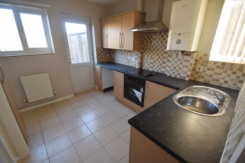 3 bedroom Semi-Detached  to rent in Littlechurch Road, Luton - Photo 11
