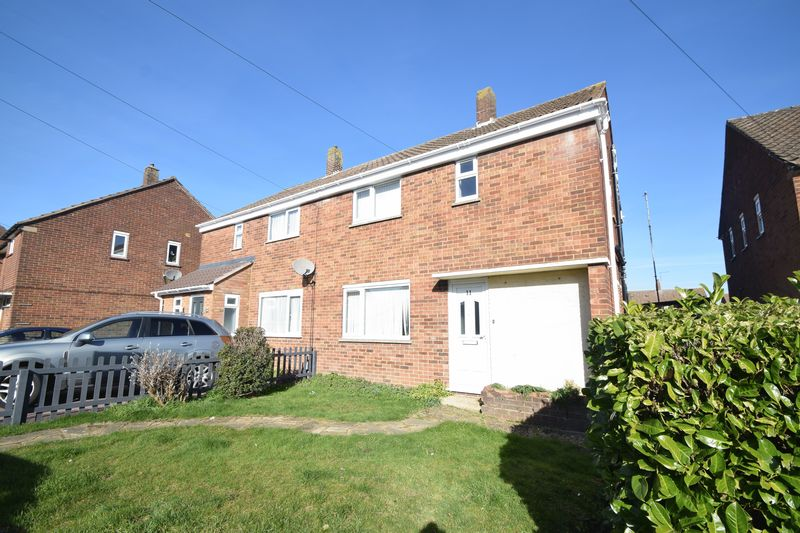 3 bedroom Semi-Detached  to rent in Littlechurch Road, Luton