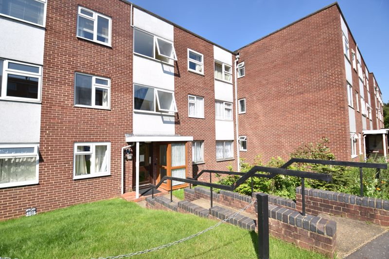 3 bedroom Flat to rent in Old Bedford Road, Luton - Photo 12