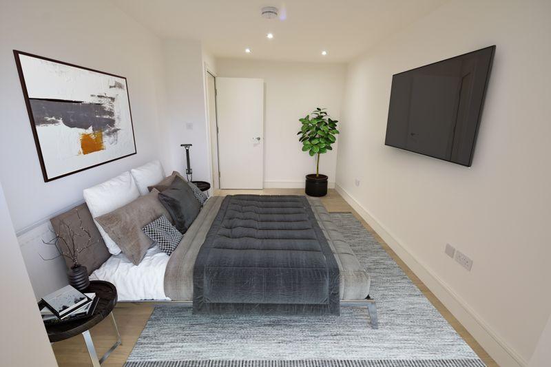 2 bedroom  to buy in 142 Midland Road , Luton - Photo 2