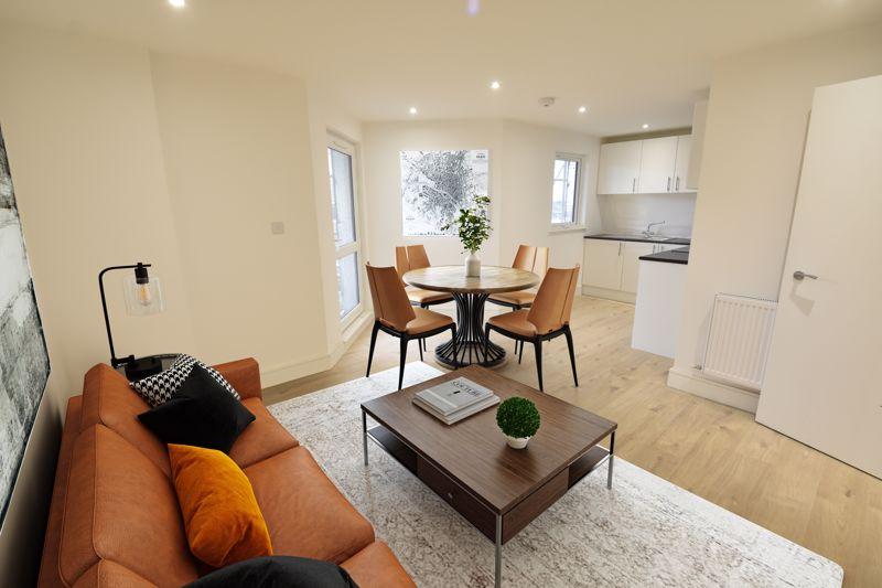 2 bedroom  to buy in 142 Midland Road , Luton - Photo 4