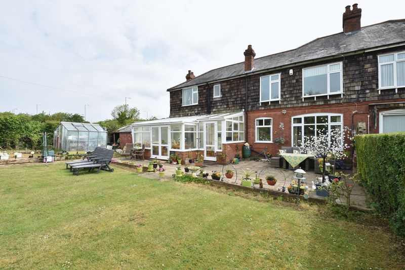 4 bedroom Semi-Detached  to buy in Barton Road, Luton - Photo 26