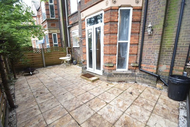2 bedroom Flat to rent in London Road, Luton - Photo 5