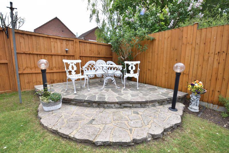 3 bedroom  to buy in Blakeney Drive, Luton - Photo 2