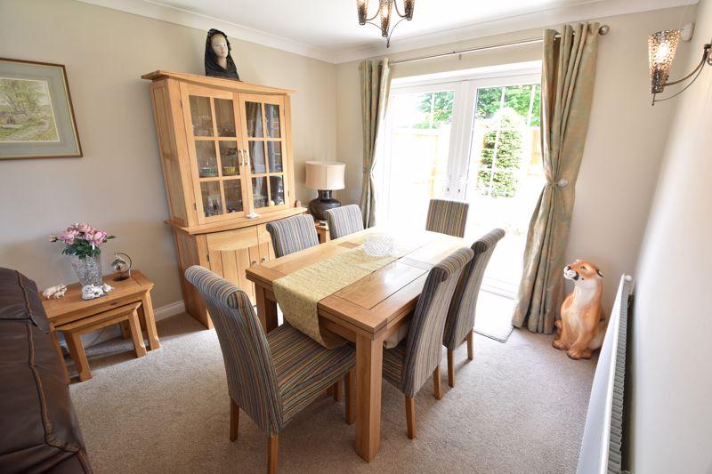 3 bedroom  to buy in Blakeney Drive, Luton - Photo 10