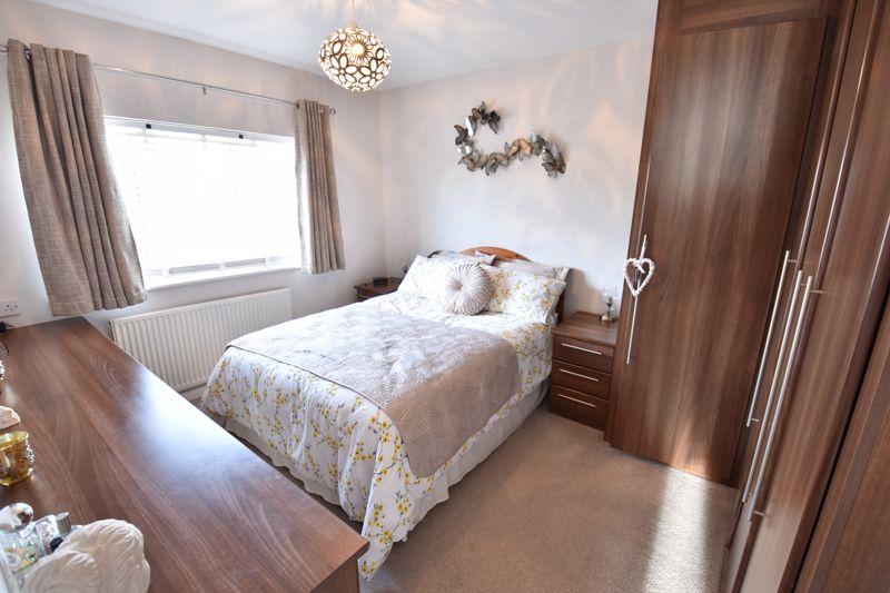3 bedroom  to buy in Blakeney Drive, Luton - Photo 14