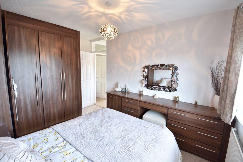 3 bedroom  to buy in Blakeney Drive, Luton - Photo 15